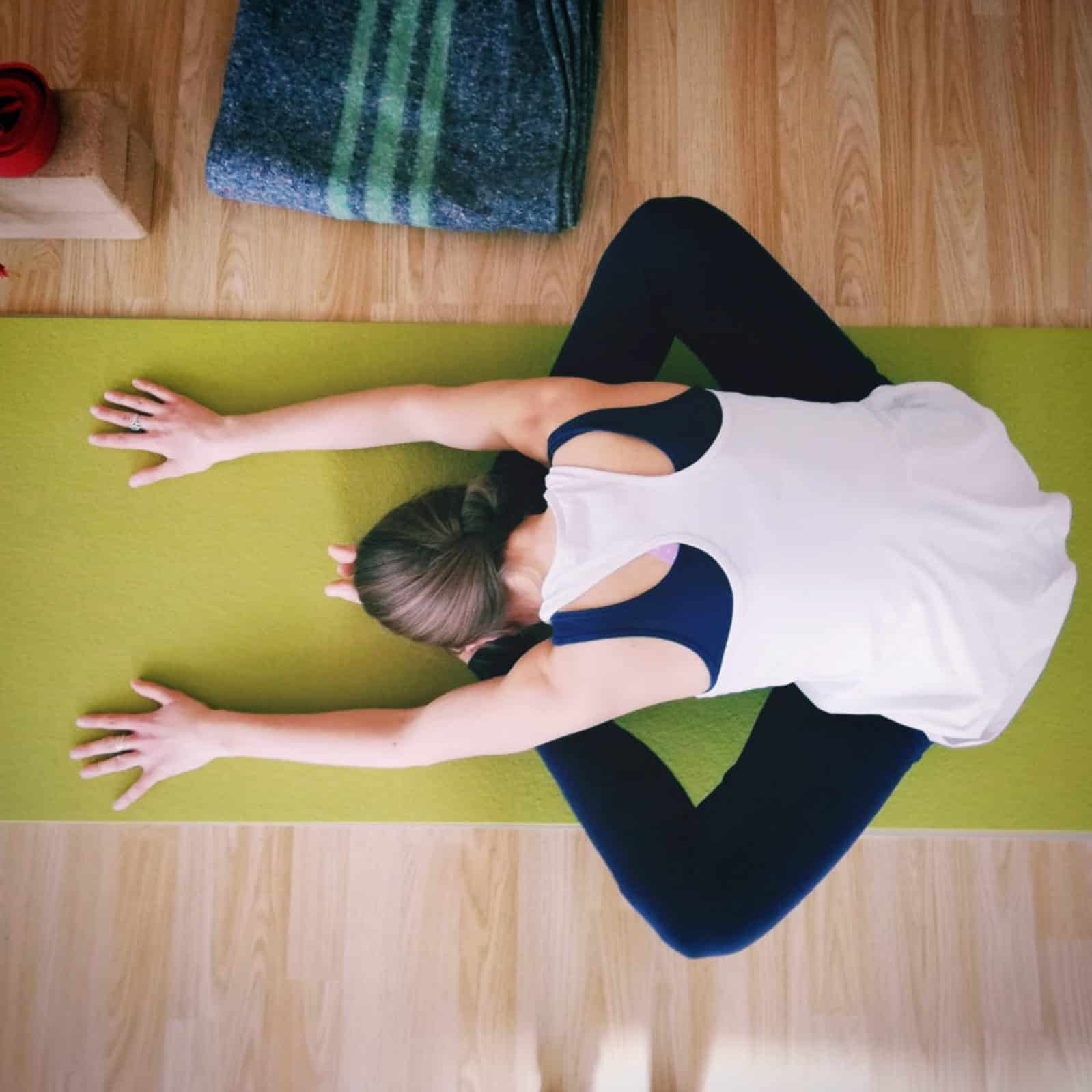 Yin-Yoga-Studio-One-Split